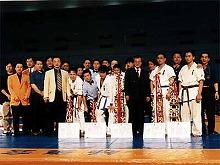 第17回大会から主催、主管ともに関西総本部が独自で行うようになる。乱立する派閥抗争とは無縁の大会であった。