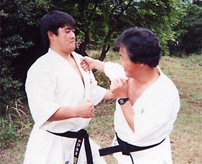 全日本王者になった頃の田村師範。厚い胸板が印象的